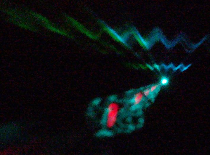 解りにくいけど、赤い光はクリオネのイメージ